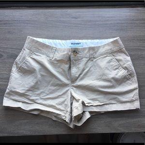 Old Navy khaki shorts - 6R